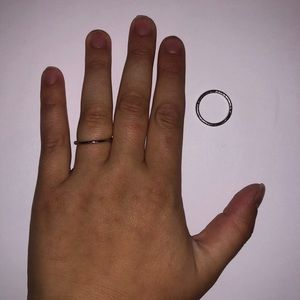 Jewelry: Dainty Silver Ring